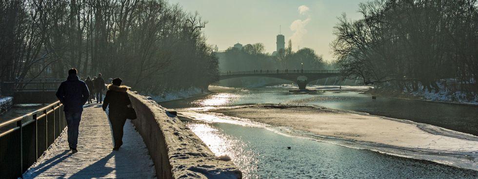 Sonniger Wintertag an der Isar