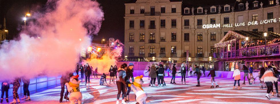 Münchner Eiszauber auf dem Stachus
