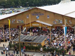 Festzelt Tradition auf der Oidn Wiesn