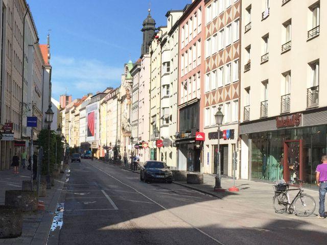 Die fast autofreie Sendlinger Straße am Morgen des 1.7.2016, Foto: muenchen.de/Mark Read