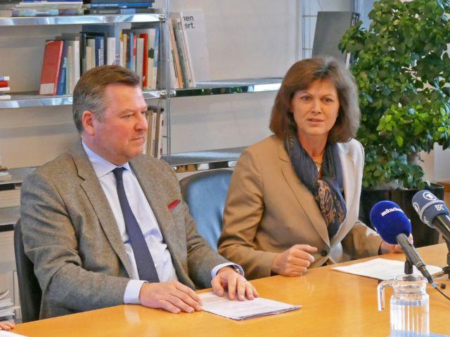 Bürgermeister Josef Schmid und Staatsministerin Ilse Aigner zum geplanten Zentrum für Gründer in Zukunftsbranchen, Foto: Melina Pfeffer / muenchen.de