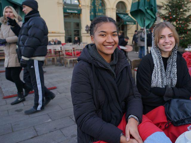 Gousi und Kerstin freuen sich, Foto: muenchen.de/ Dan Vauelle