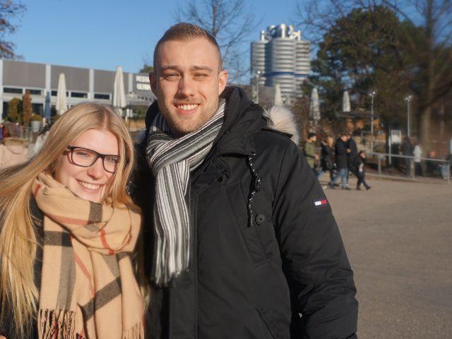 Sabrina und Marc in der Sonne, Foto: muenchen.de/ Dan Vauelle