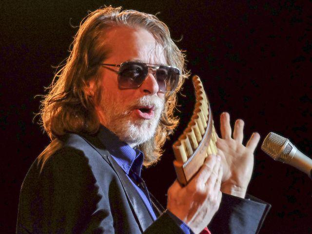 Helge Schneider erhält den Ehrenpreis beim Bayerischen Kabarettpreis 2017, Foto: BR/Till Oellerking