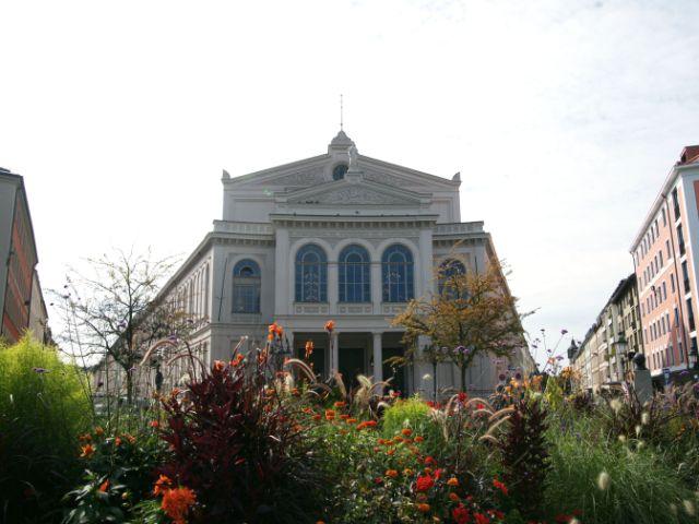 Das sanierte Gärtnerplatztheater von außen, Foto: muenchen.de / Dan Vauelle