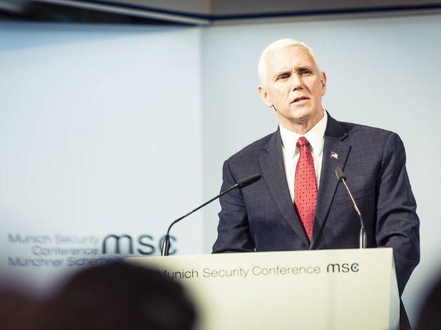 US-Vizepräsident Mike Pence bei seinem Statement auf der Münchner Sicherheitskonferenz am 18.2.2017, Foto: MSC / Kuhlmann