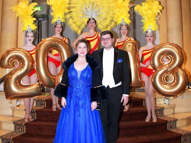 Das Faschingsprinzenpaar 2018 Sebastian I. und Janina I. stößt an auf den Jahreswechsel, Foto: Ingrid Grossmann für Narrhalla