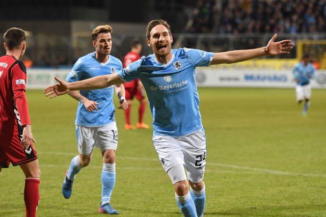 Markus Ziereis jubelt nach seinem Treffer zum 1:0., Foto: picture alliance / Sven Simon