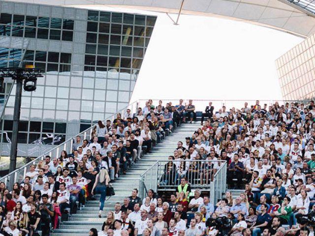 Zuschauertribüne, Foto: Flughafen München