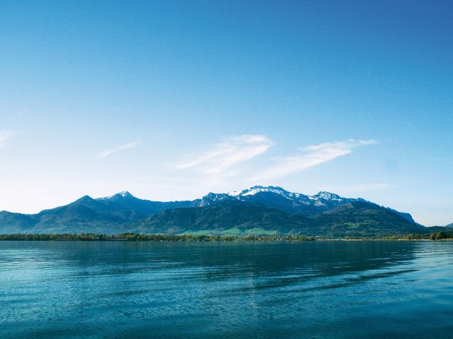 Chiemsee mit Blick auf die Kampenwand, Foto: Priener Tourismus GmbH/Christina Senega
