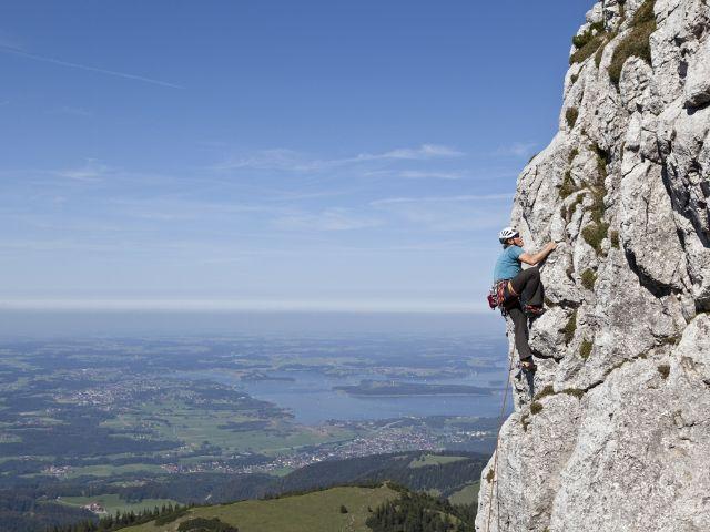 Klettern an der Kampenwand, Foto: www.chiemsee-alpenland.de/Makrohaus