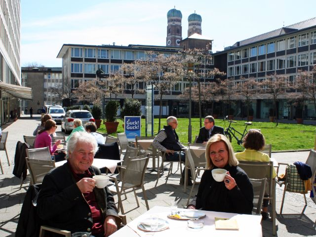 Besondere Orte zum Sonnen in München: Innenhof beim Amtsgericht