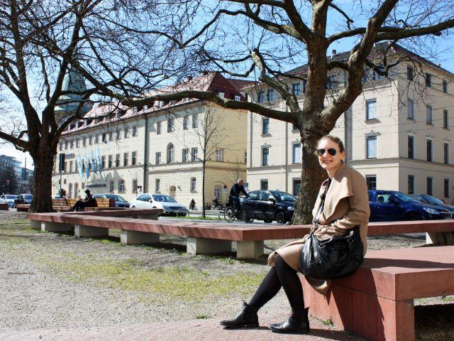 Besondere Orte zum Sonnen in München: Rudi Hierl Platz