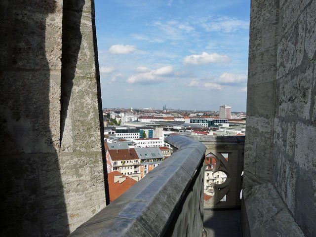 Von der Paulskirche hat man einen beeindruckende Aussicht, auch auf die Theresienwiese., Foto: Melina Pfeffer
