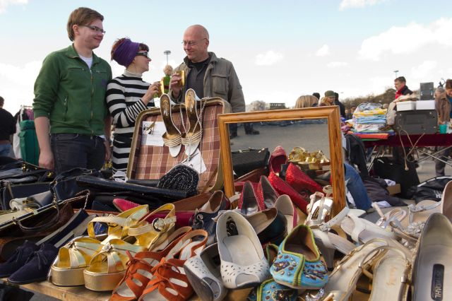 Zufriedene Verkäufer beim Riesenflohmarkt 2012, Foto: Katy Spichal