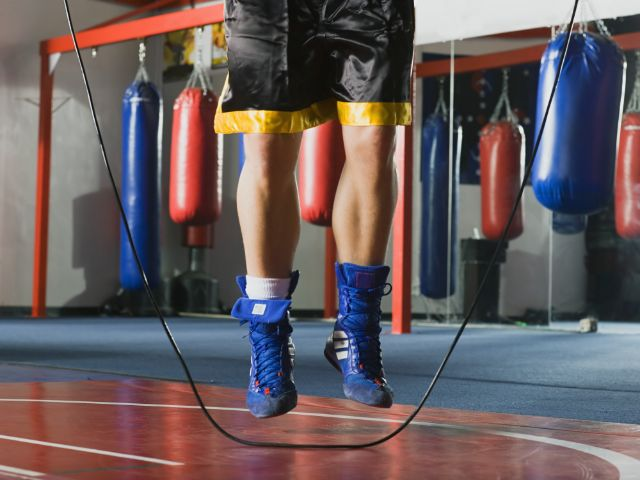 Seilspringen im Boxtraining , Foto: Volt Collection / Shutterstock.com