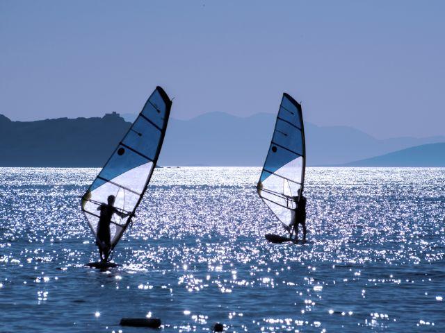 Windsurfer, Foto: sezer66 / Shutterstock.com