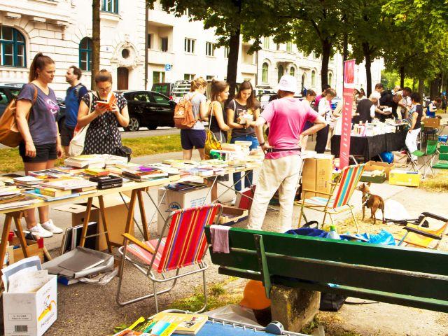 """Bücherflohmarkt """"Lisar"""" an der Isar"""