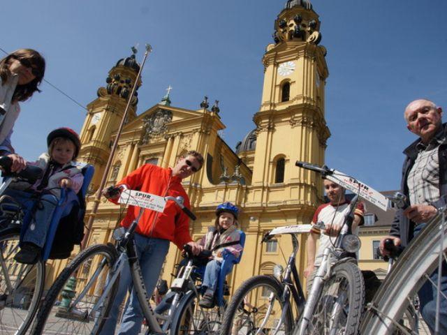 Stadtrundfahrt mit Spurwechsel
