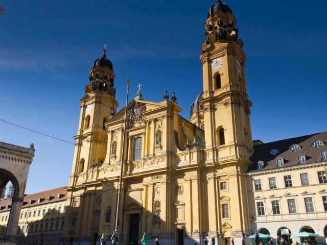 Theatinerkirche am Odeonsplatz, Foto: Katy Spichal