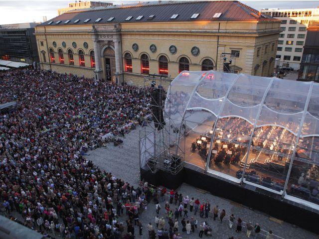 Die Bayerische Staatsoper auf dem Max-Joseph-Platz, Foto: Bayerische Staatsoper