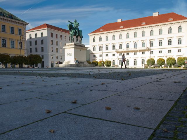 Wittelsbacher Platz in München, Foto: Katy Spichal