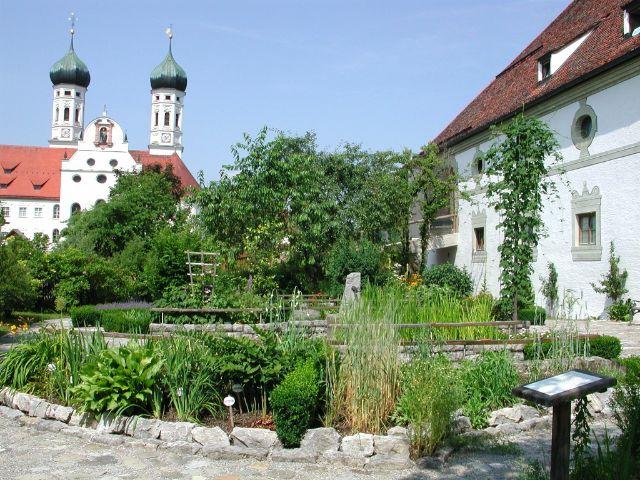 Kloster Benediktbeuern, Kräutergarten, Foto: Zentrum für Umwelt und Kultur Benediktbeuern (ZUK)
