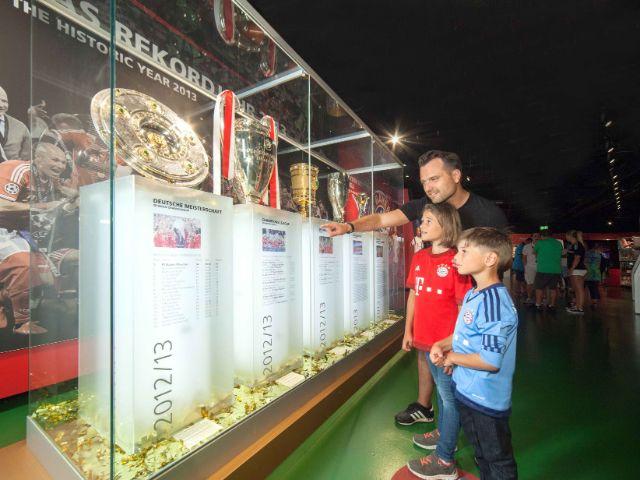 Familie in der Erlebniswelt, Foto: Allianz Arena