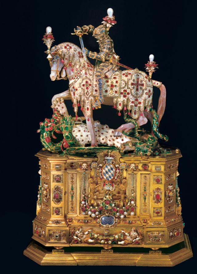 Die St. Georgs Statuette aus der Schatzkammer in der Residenz, Foto: Bayerische Schlösserverwaltung - www.schloesser.bayern.de