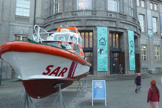 Rettungsboot vor dem Deutschen Museum
