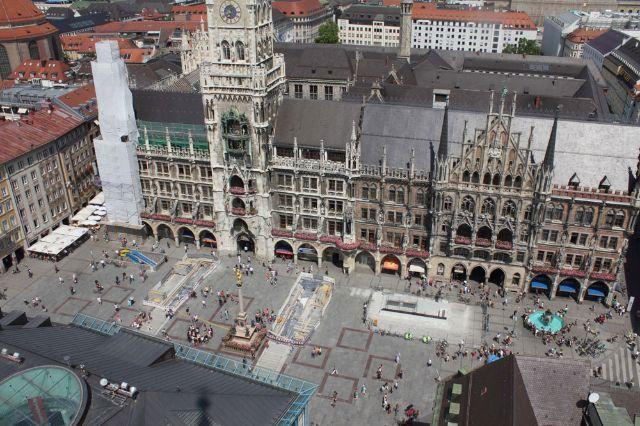 上のMarienplatz、写真:muenchen.de