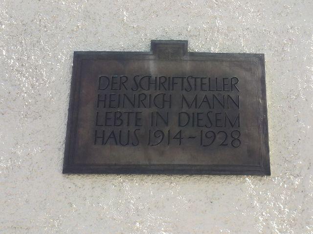 Gedenktafel für Heinrich Mann in der Leopoldstraße