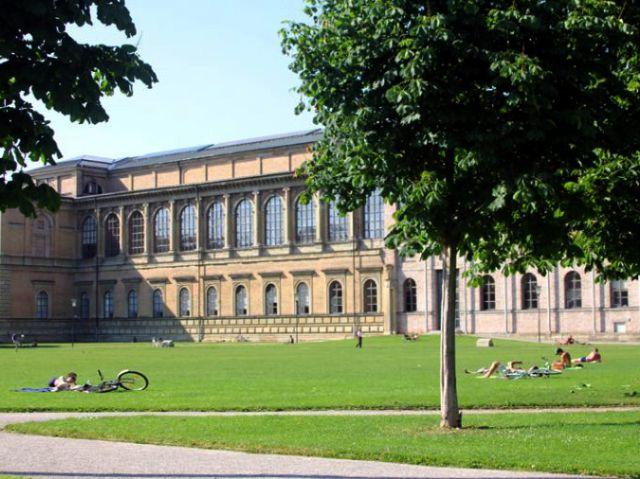 Alte Pinakothek Wiese