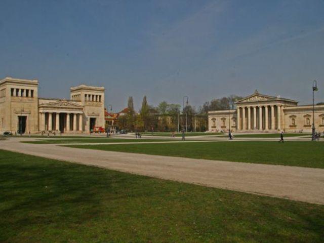 Königsplatz mit Glyptothek, Foto: Stefan Strasser