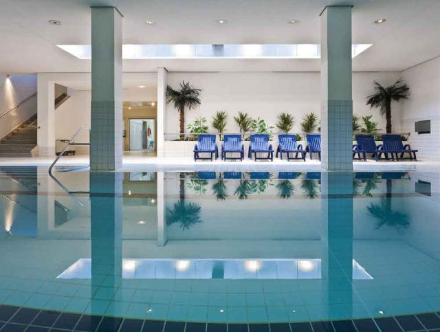 Public indoor pool of the Nordbad in modern architecture., Foto: SWM