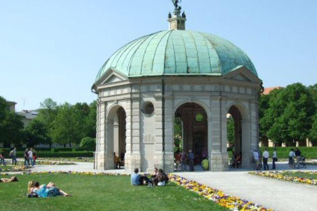 Diana-Tempel im Hofgarten, Foto: Michael Hofmann