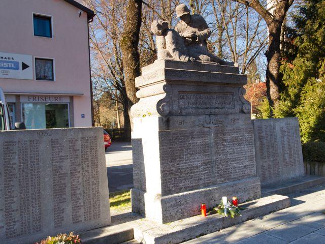 Kriegerdenkmal in Forstenried, Foto: Katy Spichal