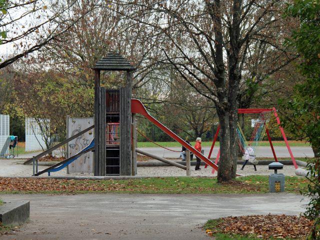 großer Spielplatz im Hasenbergl