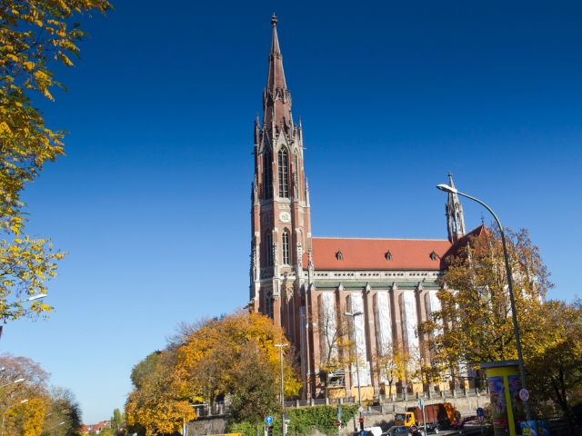 Heilig-Kreuz-Kirche, Foto: Katy Spichal