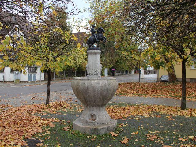 Bismarckbrunnen am Wensauer Platz