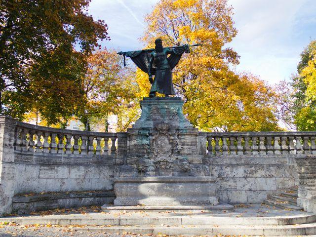 Schmied von Kochel Denkmal, Foto: Katy Spichal