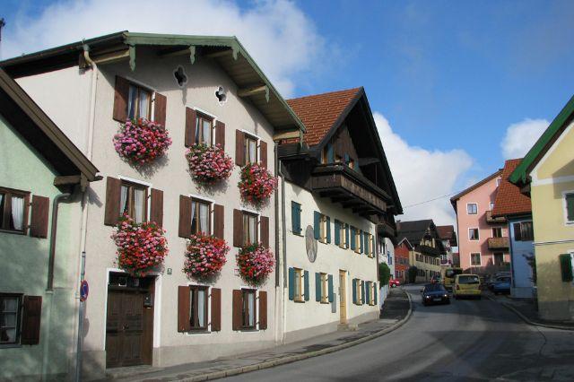 Idyllische Straße in Murnau, Foto: Michael Fiegle