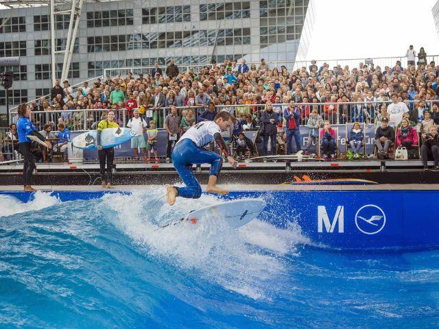 """Surf & Style 2016 am Flughafen München: 6. Europameisterschaft im """"Stationary Wave Riding"""" - Bilder vom Wettbewerb 2015, Foto: Flughafen München/Flo Hagena"""