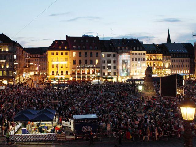 Oper für alle am Max-Joseph-Platz, Foto: Wilfried Hösl