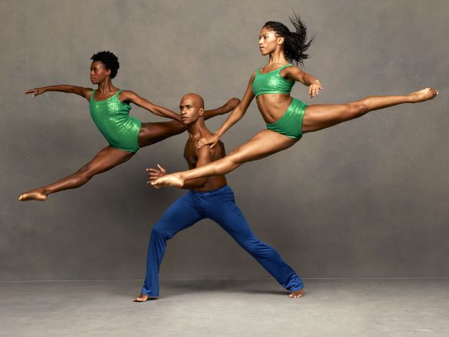 Alvin Ailey American Dance Theater, Foto: Andrew Eccles
