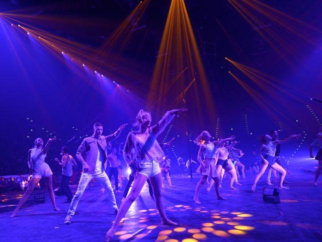 Feuerwerk der Turnkunst: Das Showteam in Aktion, Foto: minkusimages