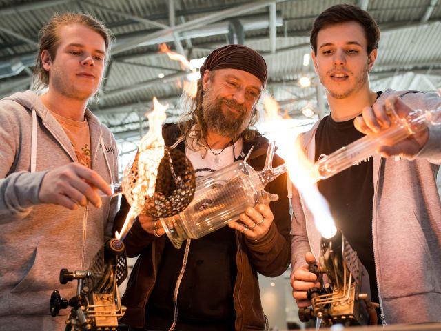 Glasbläser auf der Internationalen Handwerksmesse, Foto: GHM/Lukas Barth-Tuttas