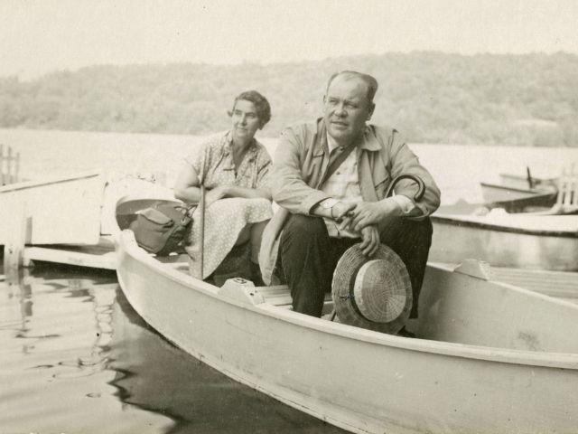 Oskar Maria Graf und Mirjam Sachs, Sullivan County, 1945, Foto: Bayerische Staatsbibliothek München / Bildarchiv
