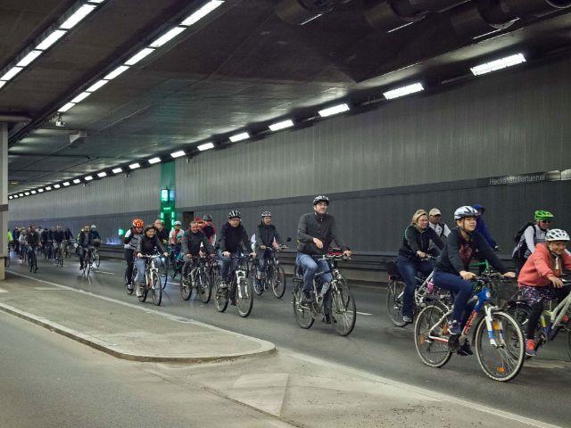 Radfahrer im Tunnel auf der Ringparade, Foto: Radlhauptstadt München / Simone Naumann