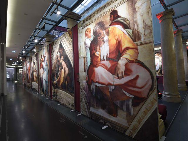 """Ausstellung """"Michelangelos Sixtinische Kapelle"""" im Palais in der Alten Bayerischen Staatsbank in München"""